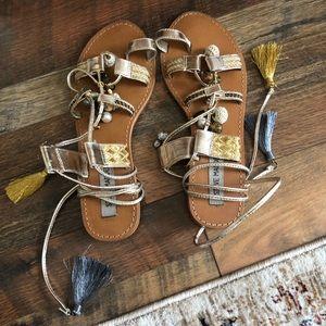 Steve Madden Shoes - Steve Madden Rambel Toe Ring Sandal